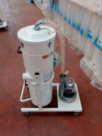 Aspirador de virutas. En Disomaq somos expertos en la venta e instalación de maquinaria para Aluminio, PVC, metacrilato y Composite